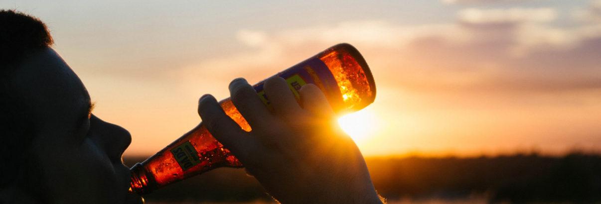 Come posso aiutare il mio bevitore problematico a smettere di bere?